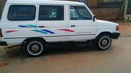toyota venture for sale R25.000