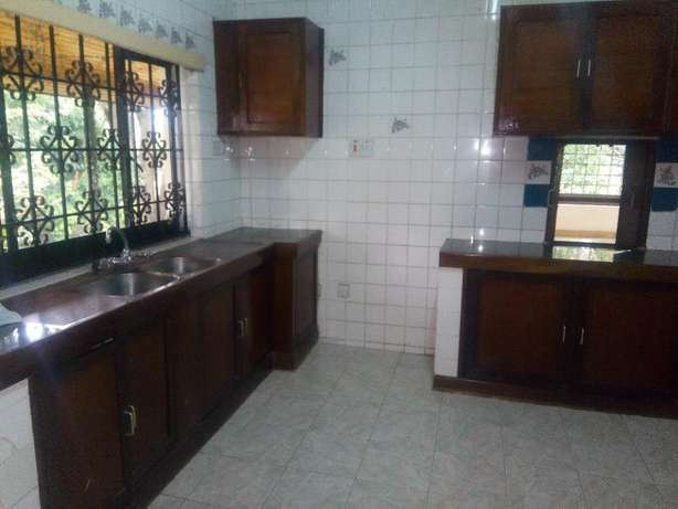 4 bedrooms bungalow to let in new muthaiga. Westlands - image 3