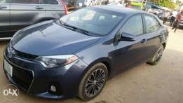 Smart Deal, Toyota Corolla 2015 , Almost new at a giveaway price