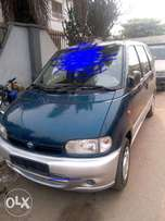 Very Clean Tokunbo 1999 Nissan Serena For Sale
