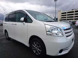 TOYOTA NOAH Year 2010,(clearance sale)
