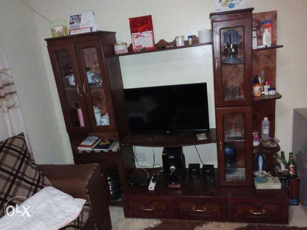 A fridge and a TV stand Fedha - image 2