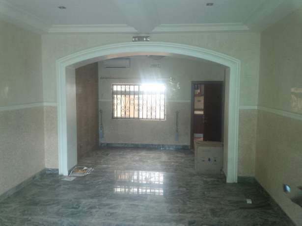 Modernly finished duplex with 2 boy's quarters Gudu - image 3