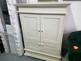 Tv cabinet cream with doors