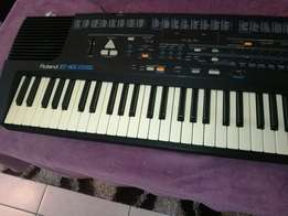 Roland E 16 intelligent synthesiser arranger keyboard