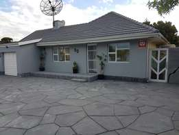 3 Bedroom House in RondeBosch East private sale