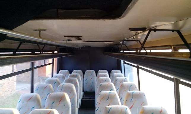 29 seater bus with auto box Triomf - image 2