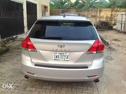 Toyota Venza 2011 with roof