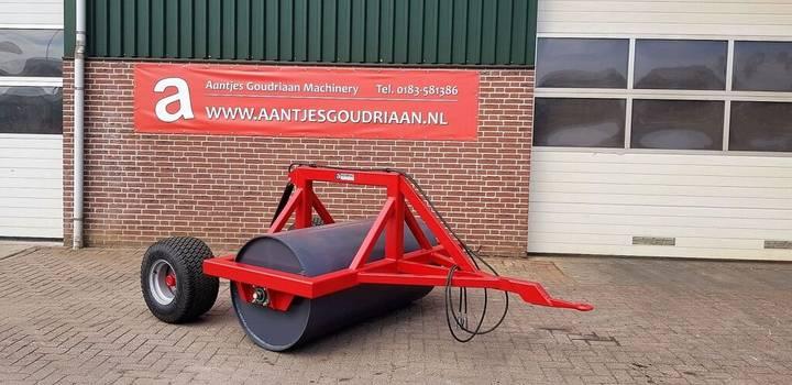 AGM Getrokken landrol field roller