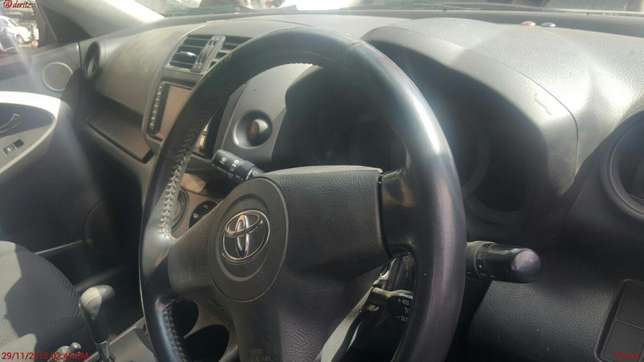 Very clean Toyota Rav 4 for sale Highridge - image 4