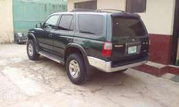 Toyota 4runner super clean AC perfect buy and use
