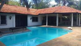 Executive modern spacious 4 Bedroom Bungalow with swimming pool