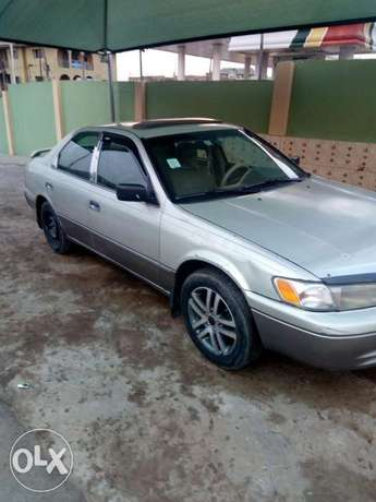 This is a very clean toyota camry tiny light silver Ikeja - image 2