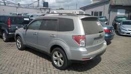 Subaru forester with sunroof n roofrails KCN
