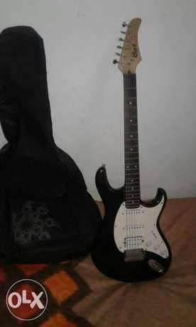 Cort electric guitar Athlone - image 1