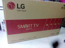 Lg 32 inch Smart tv We deliver at a fee