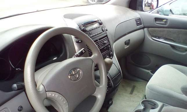 2007 Toyota Sienna Toks For Sale!!! Lagos Mainland - image 4
