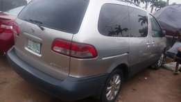 Registered Toyota sienna space busnja used 2002 model super clean