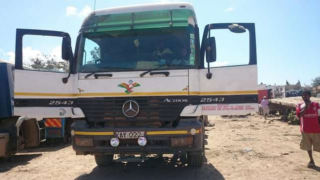 Actros on excellent condition on sale Mji Wa Kale - image 1