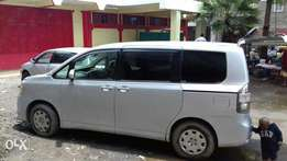 Toyota Voxy Fully loaded,accident free,original paint