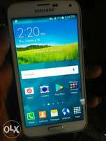 Clean Samsung Galaxy S5 for urgent sale