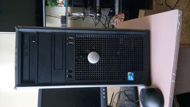 Computer sale.good condition.ideal for movie,home,games or office work Nairobi West - image 2