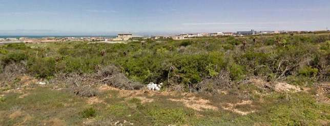 Bluewater Bay - Mikhaela Crescent - 500m2 - REDUCED R210 000 Bluewater Bay - image 3