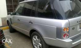 Range Rover vogue 2004model 4000cc with sunroof