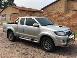 Toyota Hilux 2013 4x4 Extra Cab For Sale!!
