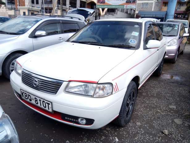 Very clean Nissan sany 2005 model,1500cc Makina - image 2
