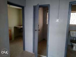 A room in a flat in a decent neighbourhood in Ibadan to let