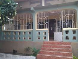 3bedrooms flat for rent at F line Buokrom 300ghc a month
