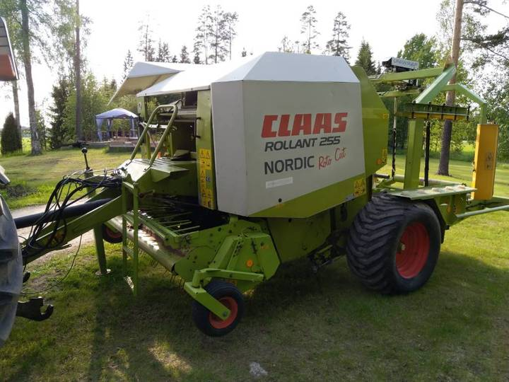 Claas Rollant 255 Rc Uniwrap - Huutokaupalla - Video - 2004