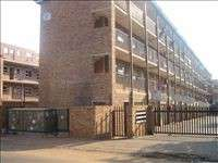 Flat to sell in Kempton park CBD Block house Complex