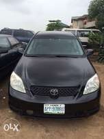 Super clean Nigeria used Toyota Matrix 2004 model in a good condition