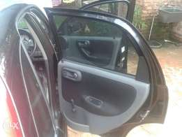 Am selling my opel corsa 1.6 in a very good condition