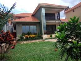 5bedroom executive home for sale in kisasi