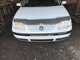 V/W JETTA 4 (2.0L) ...stripping for spares ...