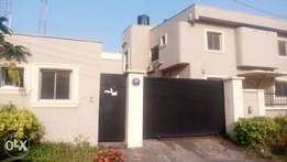5 bedroom duplex with 2 room bq with guest charlet