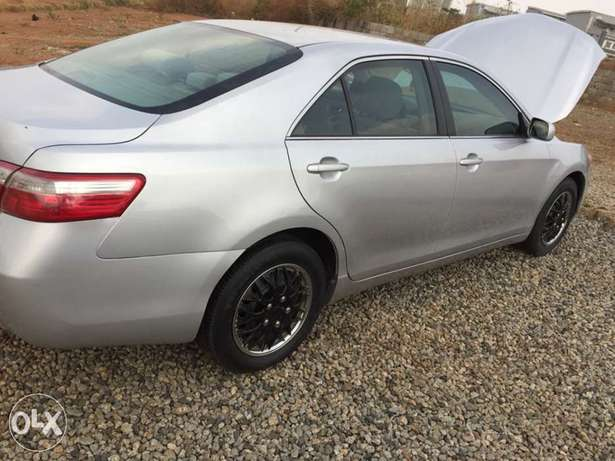 Super clean Toyota Camry muscle 08 model for sale Abuja - image 6