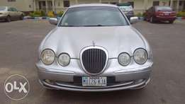 Cool affordable Jaguar S-type... Buy and drive.