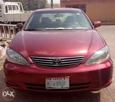 AwoofExtremely clean bigdaddy Toyota camry 2005 with full options