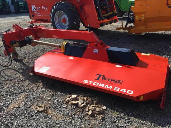 Twose Storm 240 Side Mounted Topper