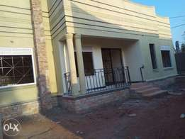 Kira, town house for quicksale at 199m