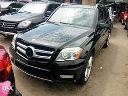 Just in Toks 2012 Mercedes Benz GLK350 4matic. Black. Good price