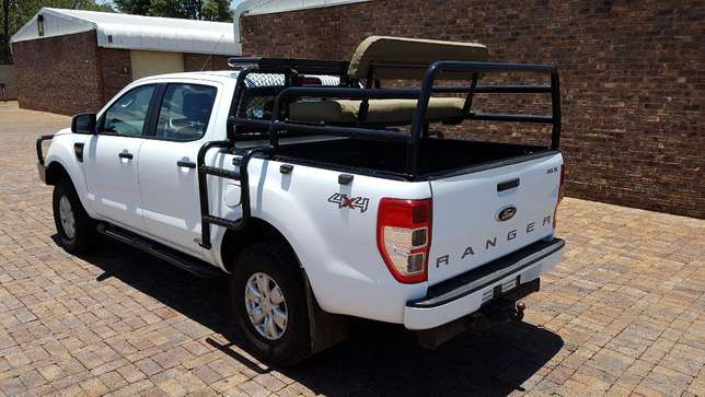 Ford Ranger D/Cab 2,2 XLS 4X4 With Cattle rails and Hunting Seats Kempton Park - image 3