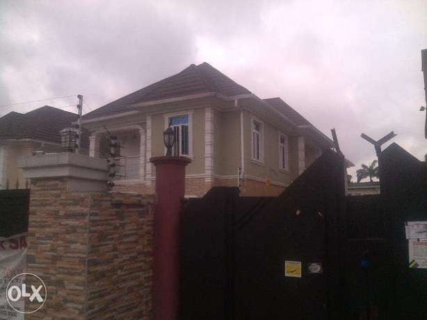 3 bedroom flat for rent at omole phase 1..going for 1m Ojodu - image 1