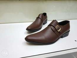 CLEARANCE SALE on leather shoes at Kshs 1800 only.