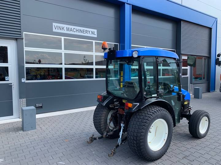 New Holland TCE 40 Tractor - 2006 - image 3