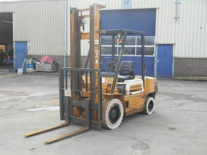 Komatsu FD30-10 Forklift
